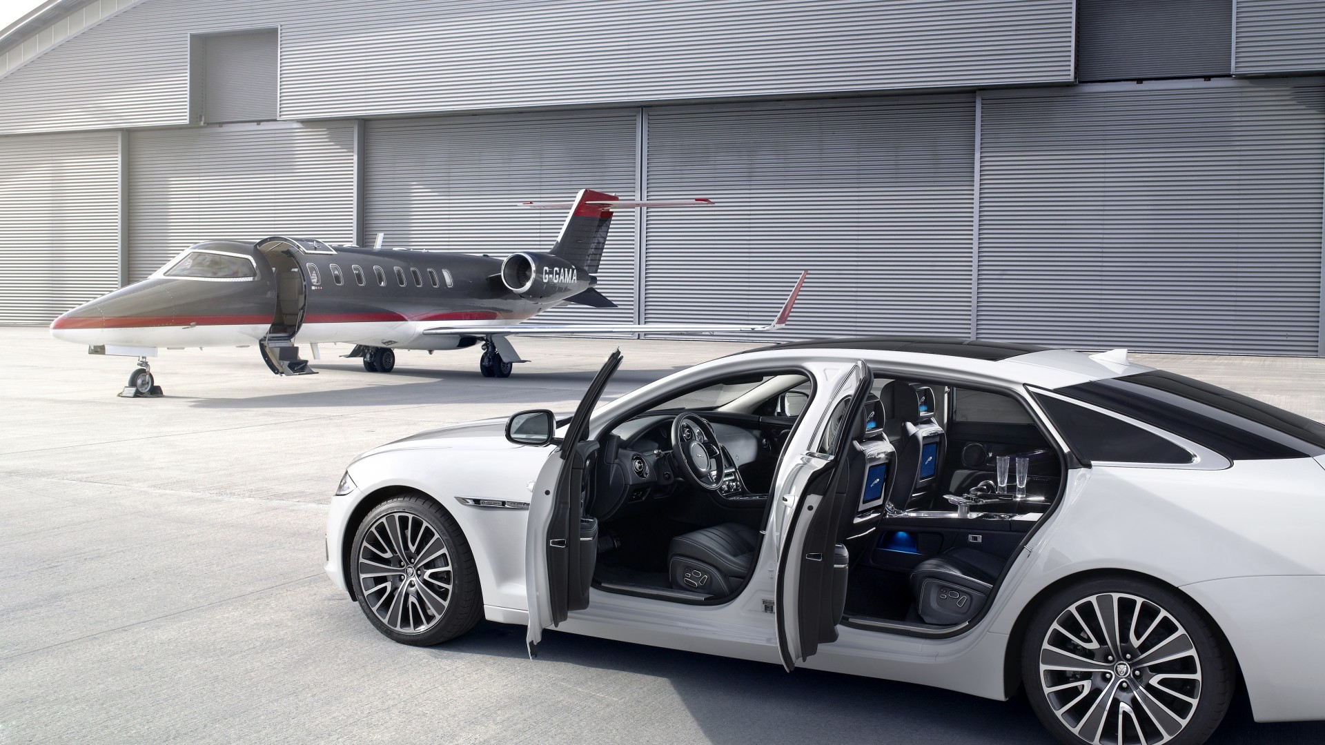 Jaguar XJ, X351, luxury cars, sports car, supercar, test drive, review, aircraft, runway (horizontal)