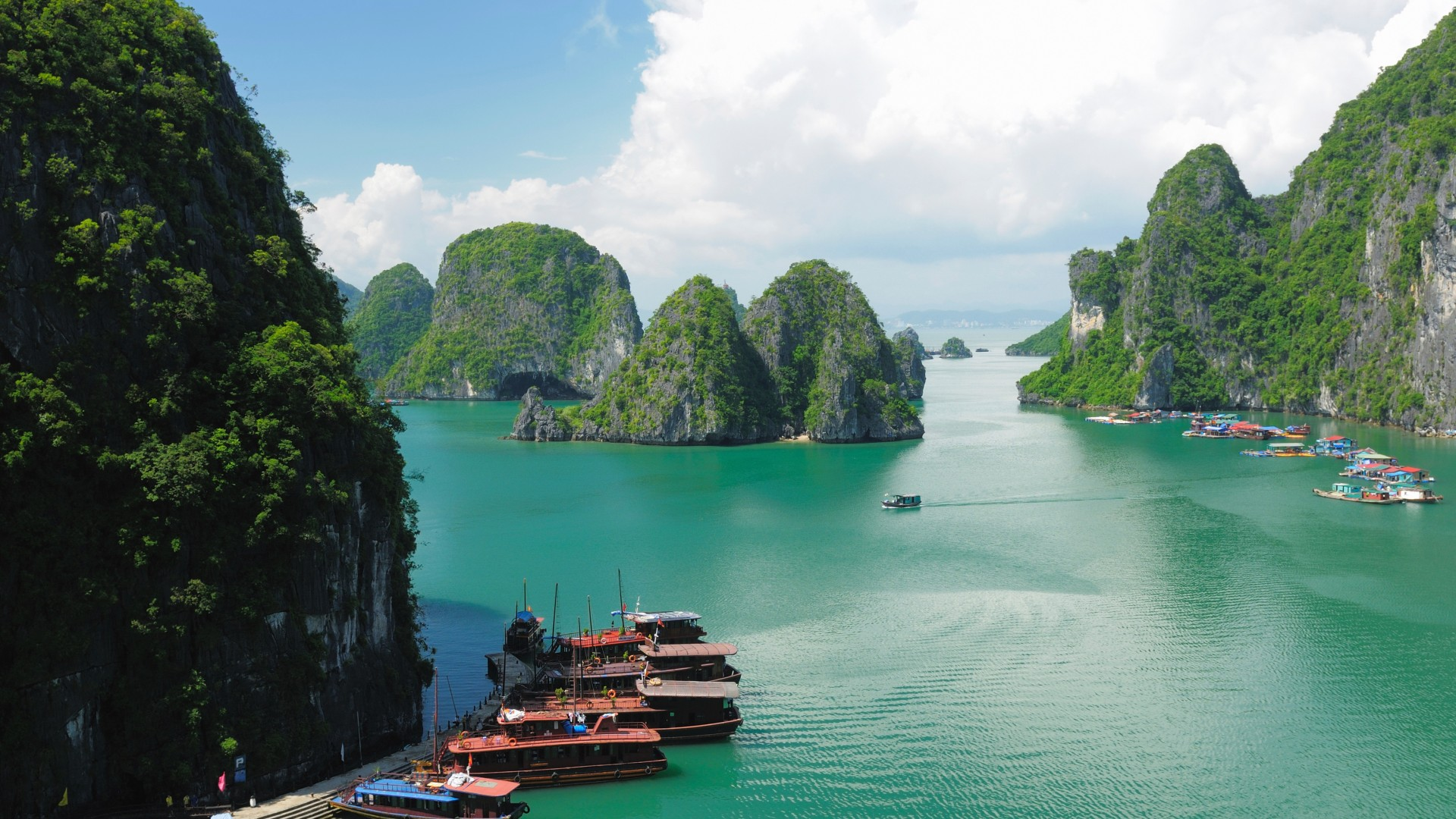Ha Long Bay, 5k, 4k wallpaper, 8k, Halong Bay, Vietnam, mountains, cruise, travel, rest, boat, river (horizontal)