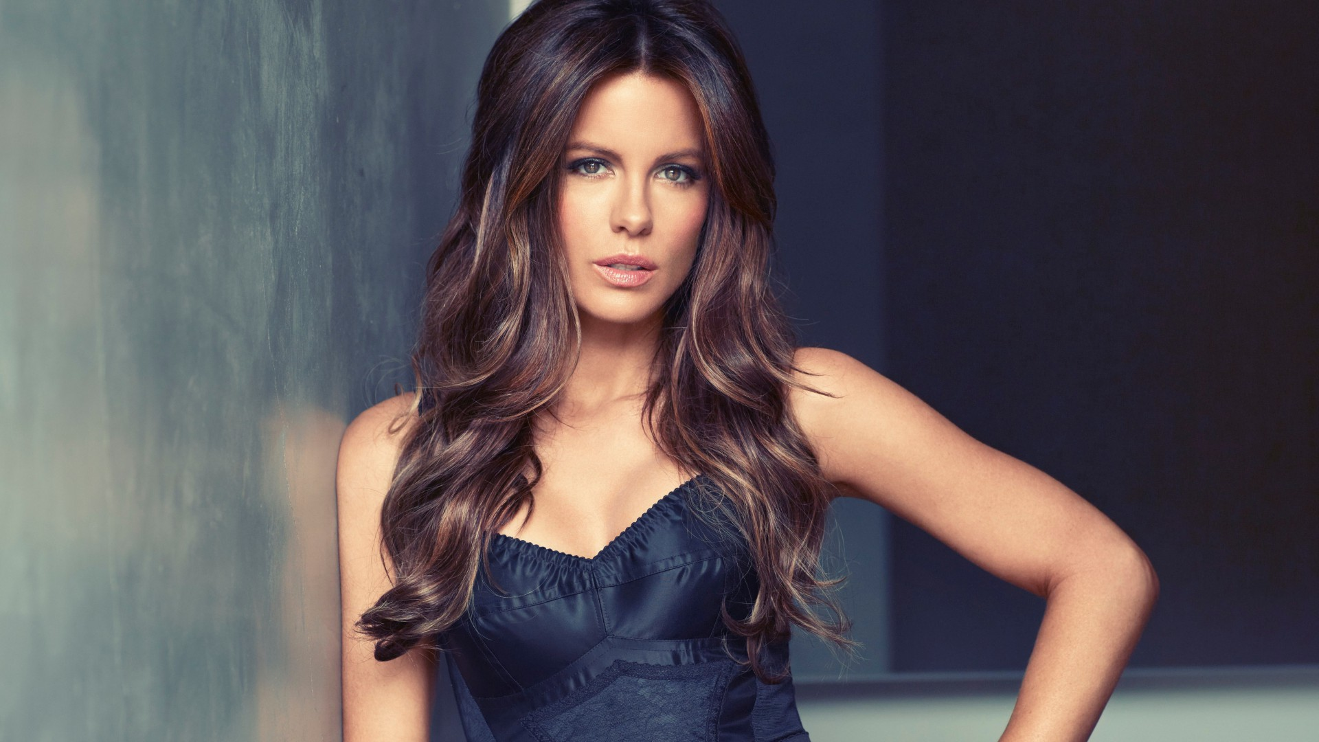 Kate Beckinsale, Most Popular Celebs in 2015, actress, brunette (horizontal)