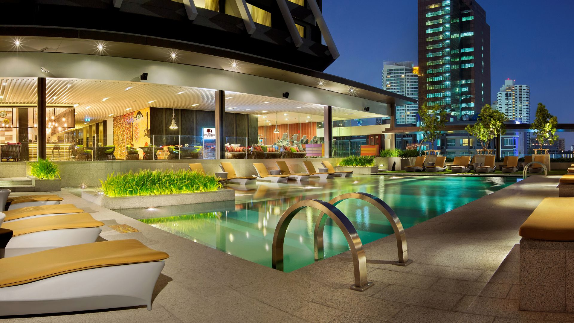 DoubleTree by Hilton Hotel, Bangkok, Thailand, Best hotels, tourism, travel, resort, booking, vacation, pool (horizontal)
