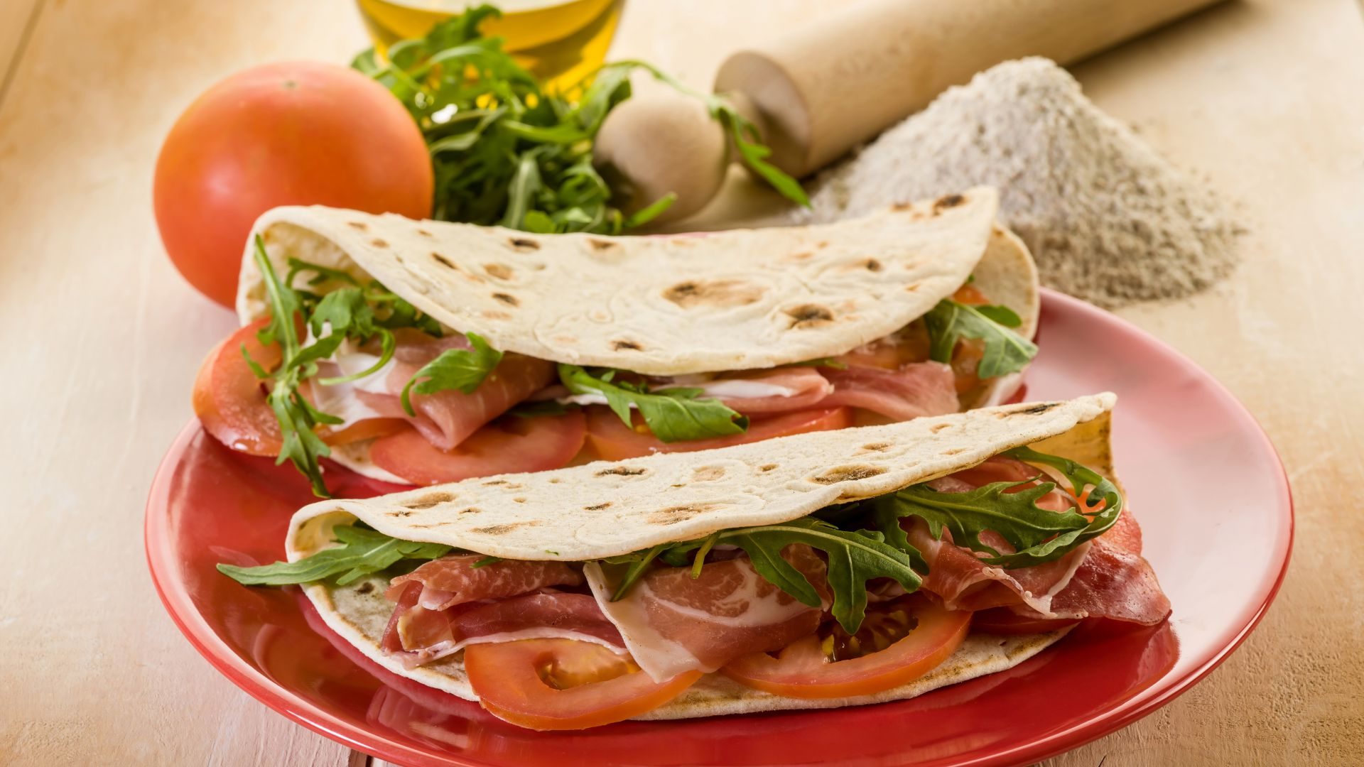 ... , Food / Main Dishes: Tortilla, tomato, pita bread, bacon, flour