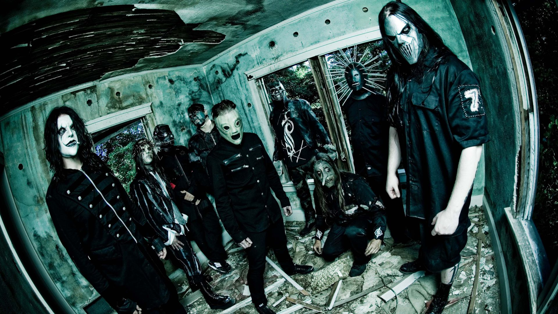 Slipknot, Top music artist and bands, Corey Taylor, Mick Thomson, Jim Root, Craig Jones, Sid Wilson, Shawn Crahan, Chris Fehn (horizontal)