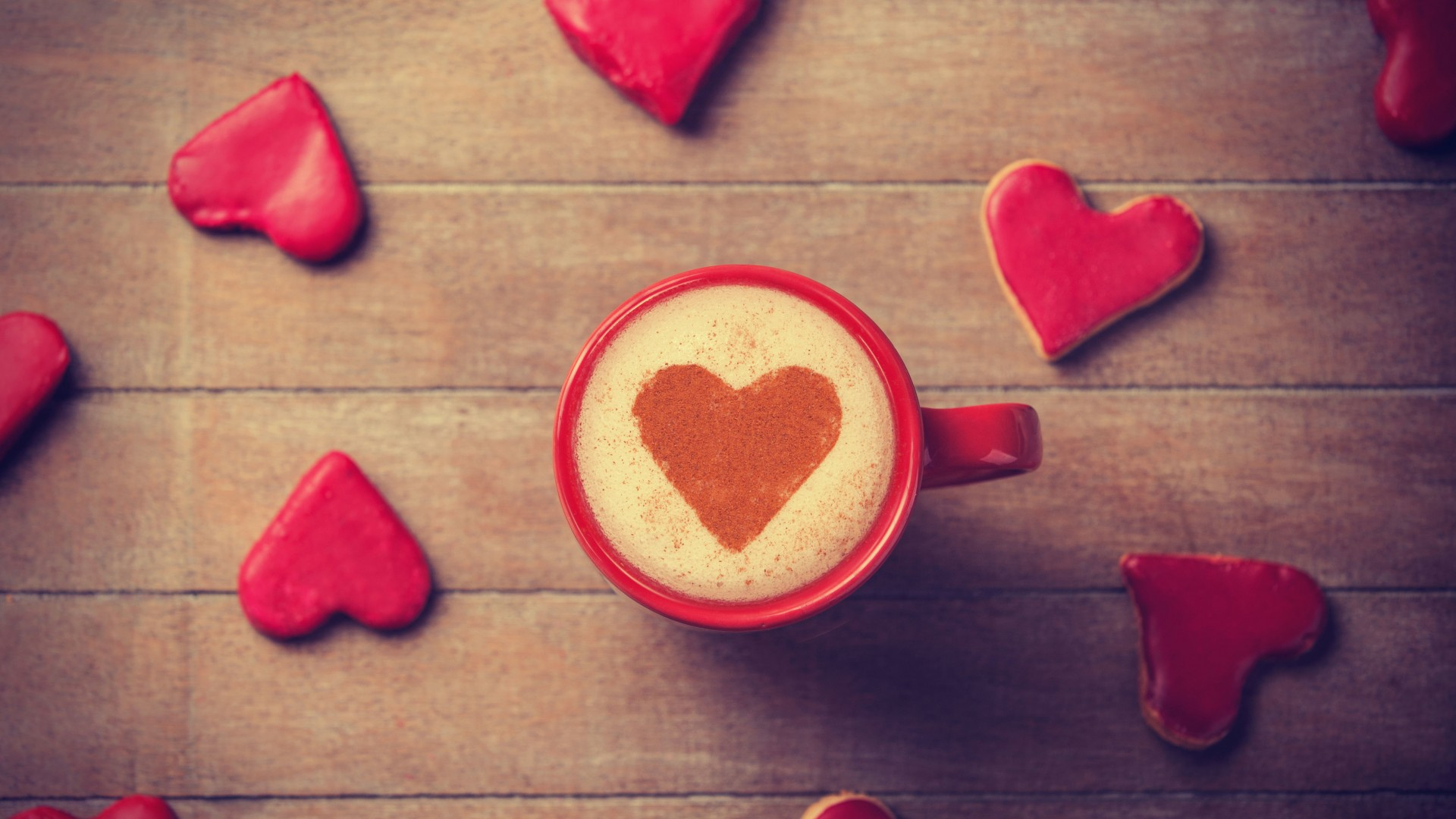 Valentine's Day, love, gift, romance, heart, cup, sign, coffee, crema (horizontal)