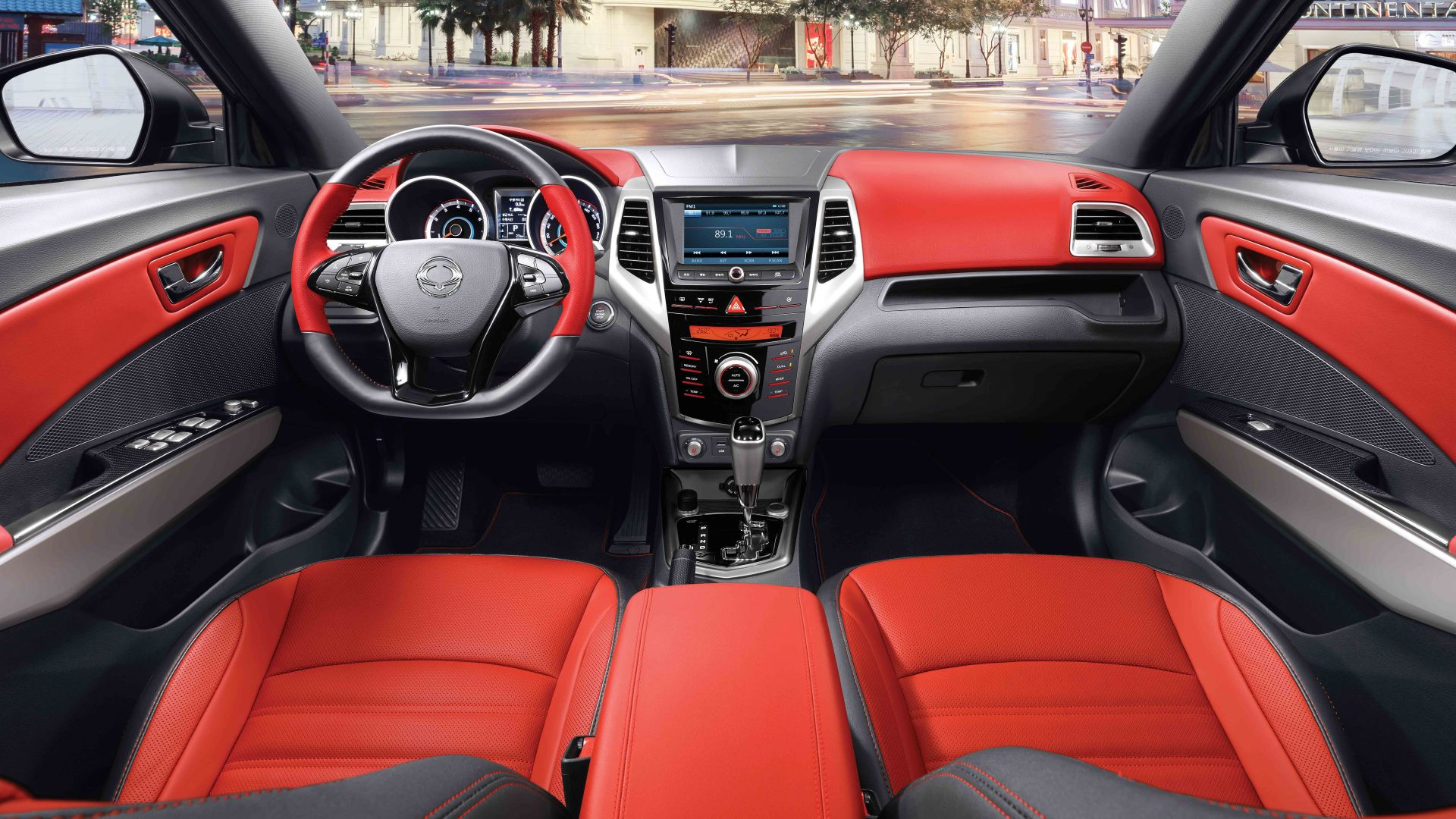 Ssangyong tivoli, crossover, red, interior. (horizontal)