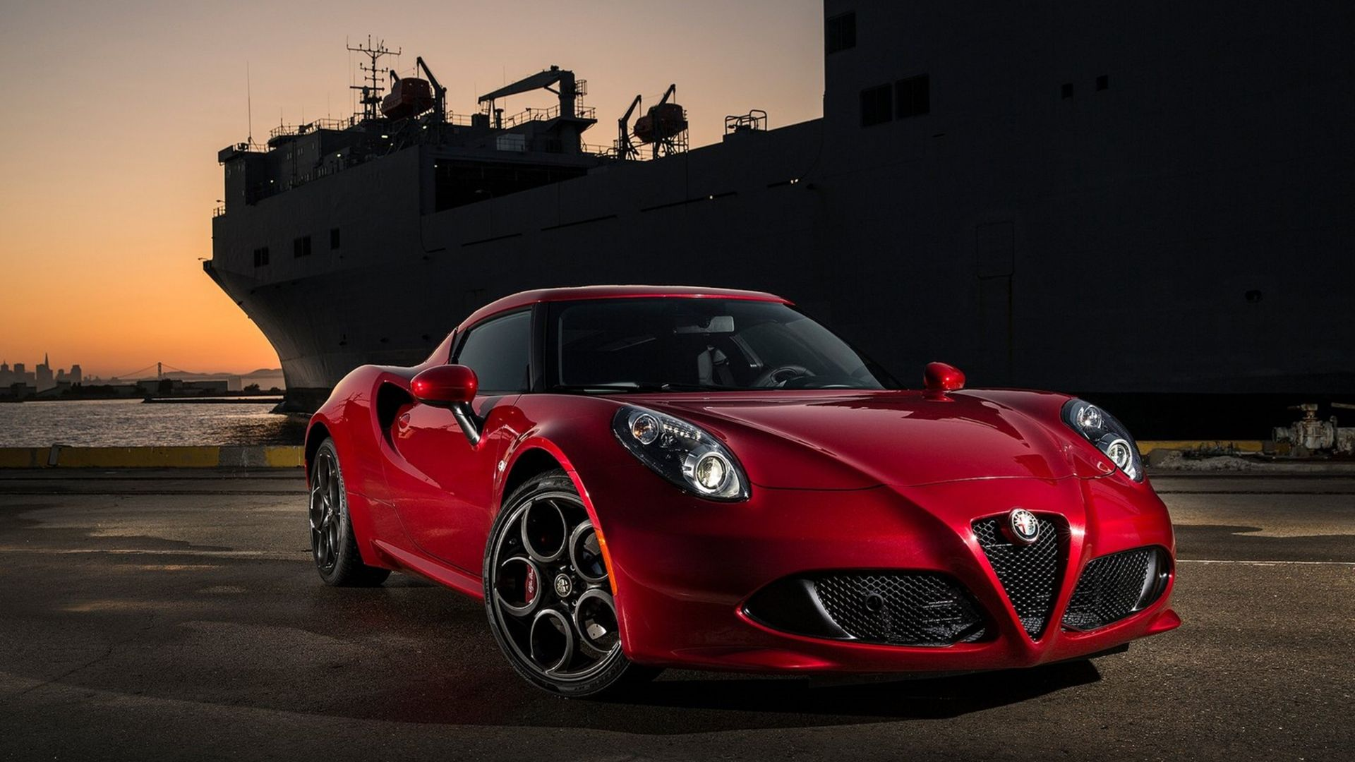 Alfa romeo 4c, coupe, sportcar, red. (horizontal)