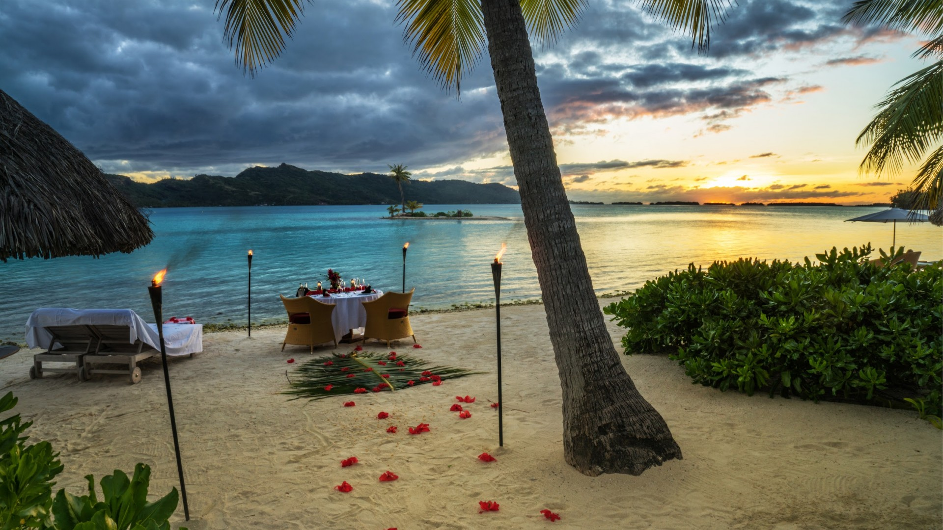 Bora Bora, 4k, HD wallpaper, French Polynesia, ocean, dinner, sunset, fire, torch, palm trees, beach, vacation, rest, travel, booking, palm trees,  (horizontal)