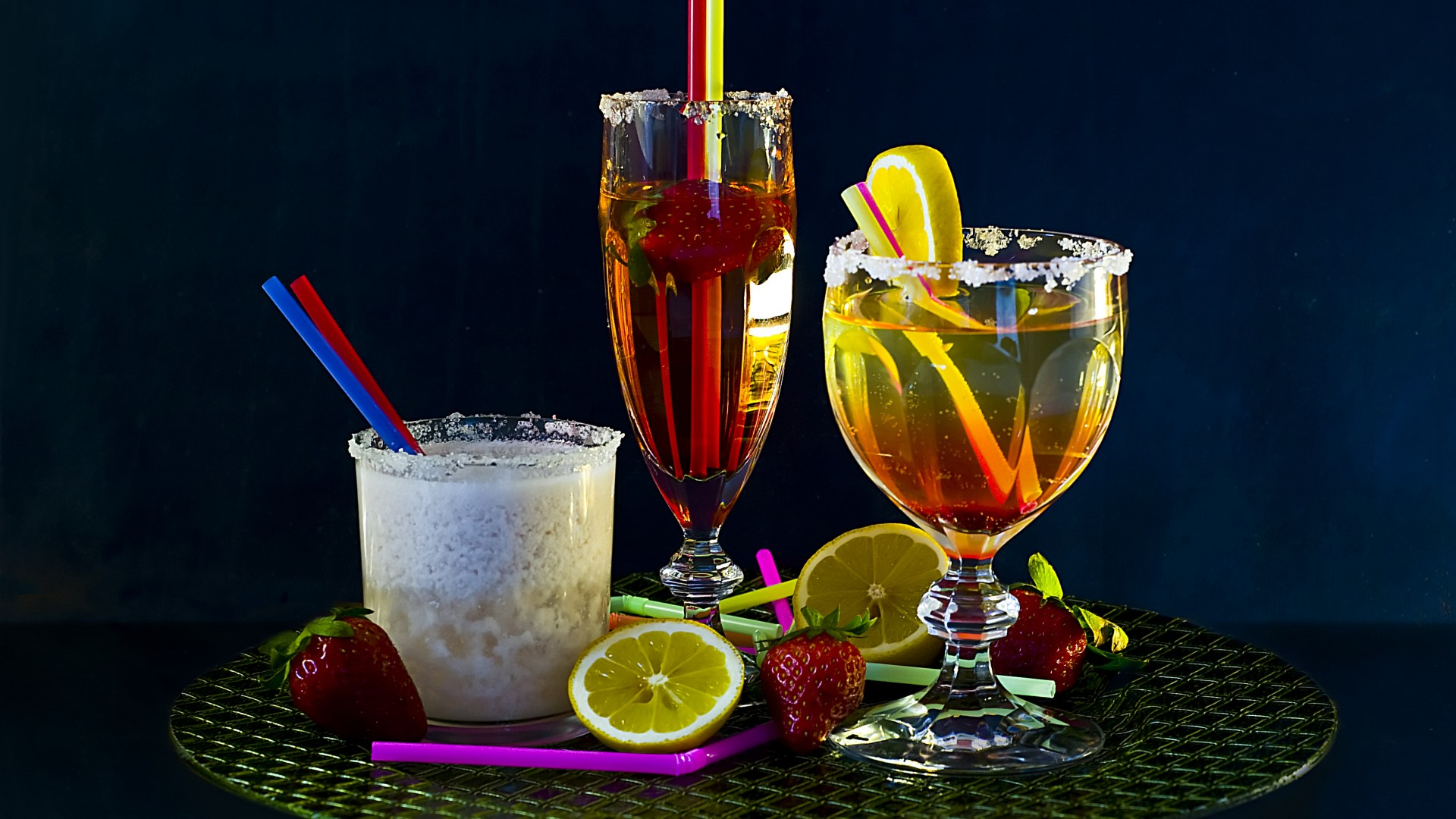 cocktails, Milk shake, strawberry, orange, ice, sugar, lemon,  (horizontal)