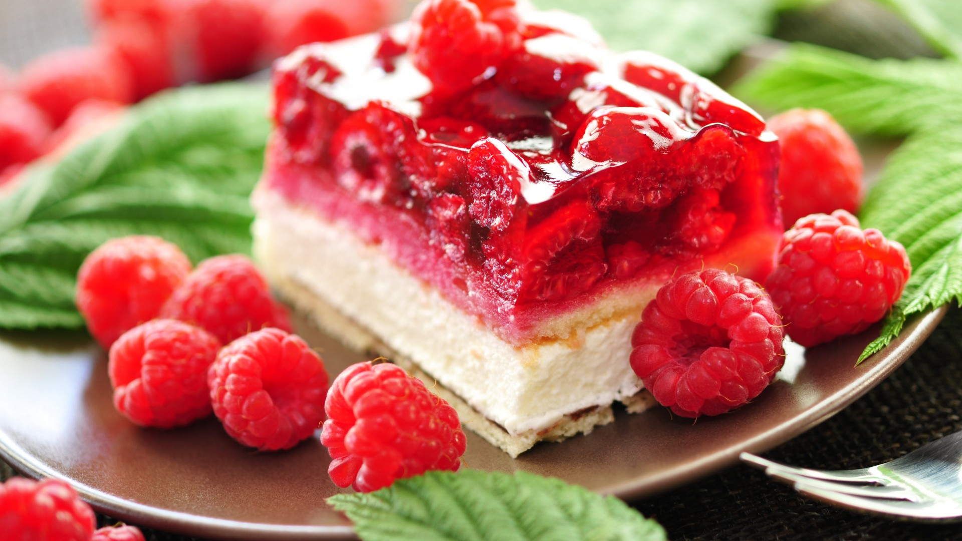 cake, Saffle, jelly, raspberry, mint (horizontal)