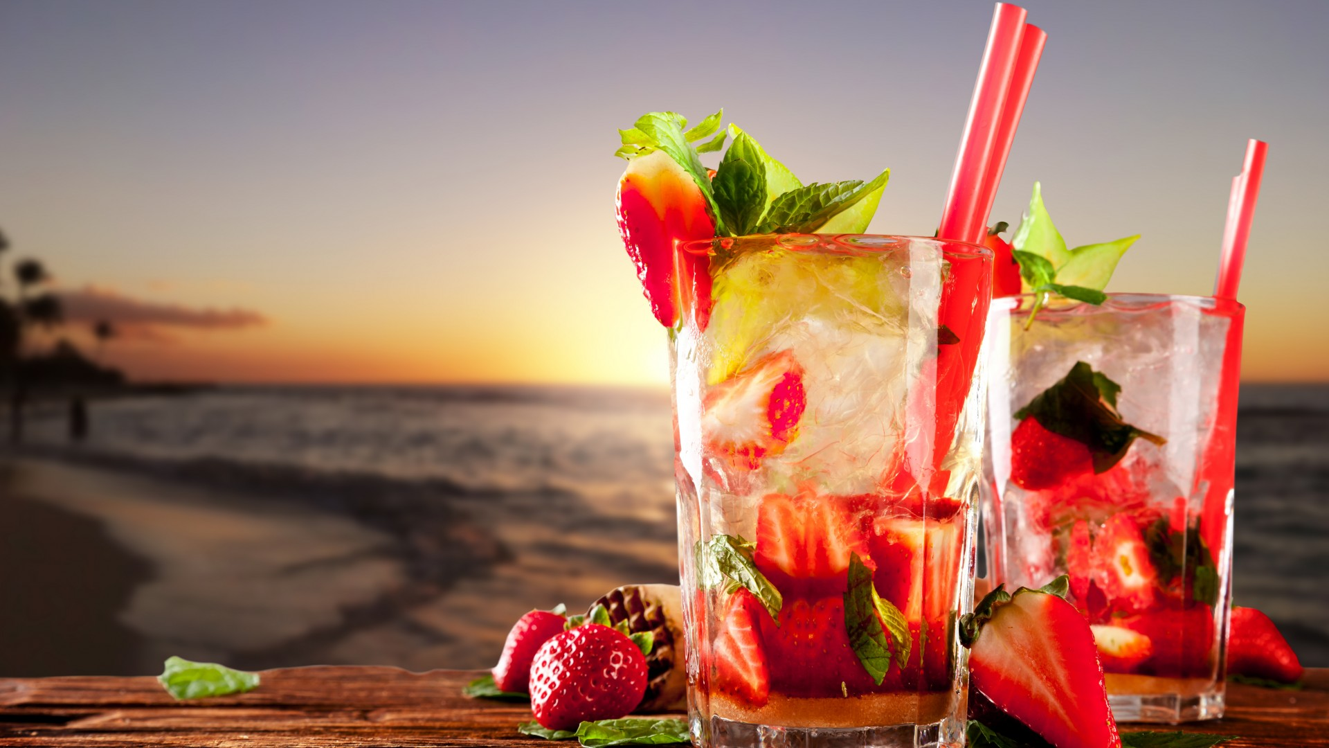 cocktails, tropical, beach, fruit, strawberries, ice, mint (horizontal)