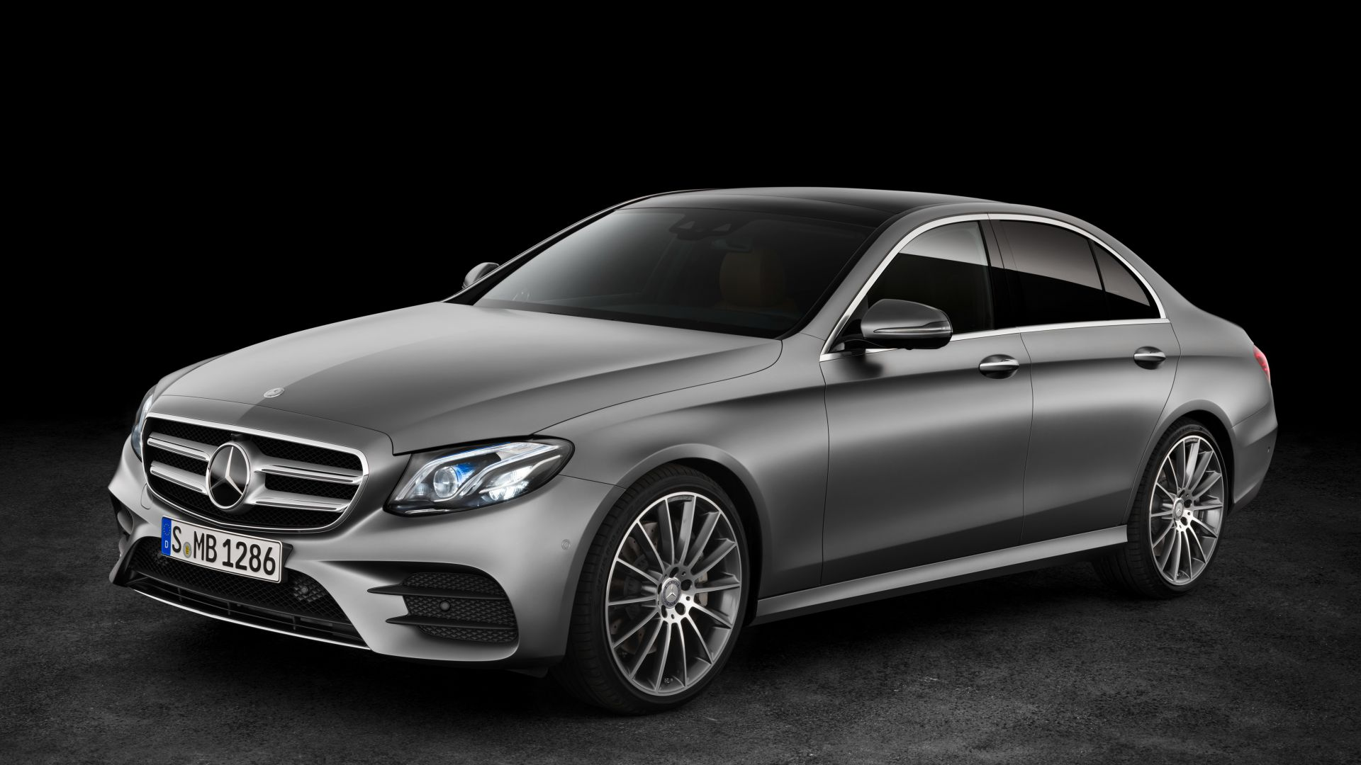 Mercedes Benz E 400, NAIAS 2016, sedan, grey (horizontal)