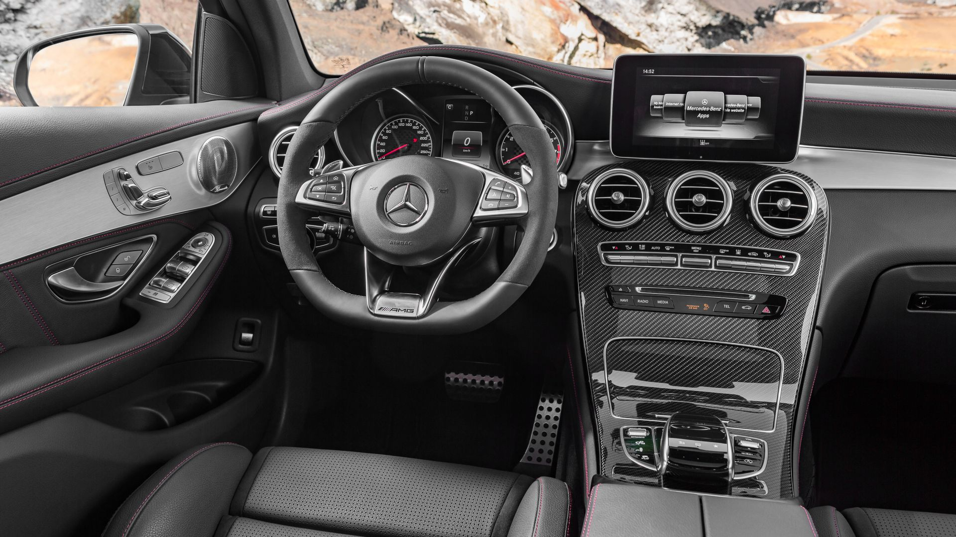 Mercedes-AMG GLC 43, 4MATIC (X253), NYIAS 2016, crossover, interior (horizontal)