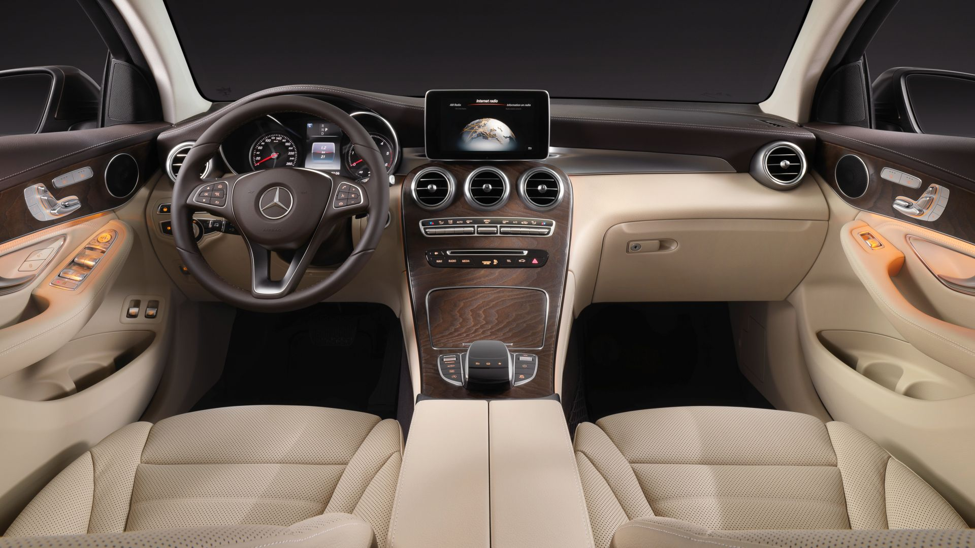 Mercedes-benz Glc klasse, coupe, NYIAS 2016, interior (horizontal)