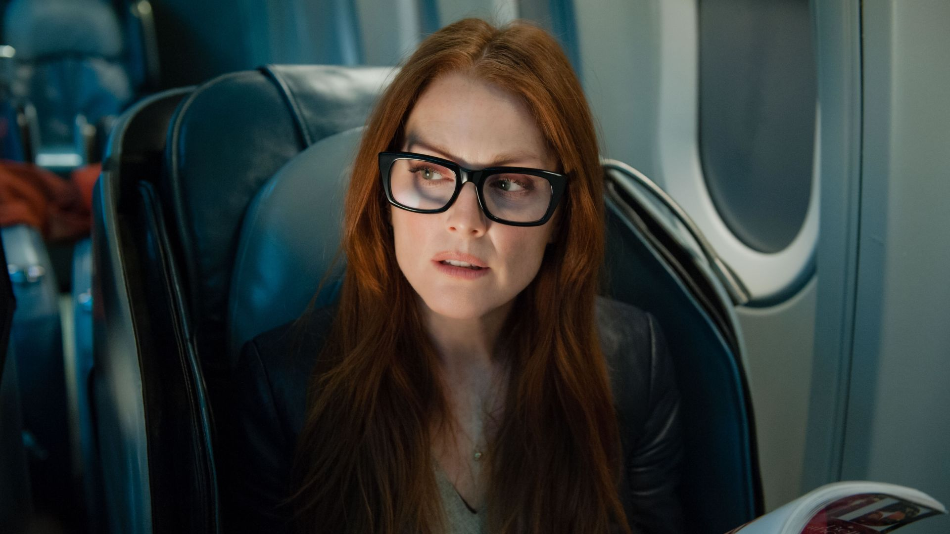 Julianne Moore, Julie Anne Smith, Actress, model, sofa, red hair, lion, cub, look, room, interior