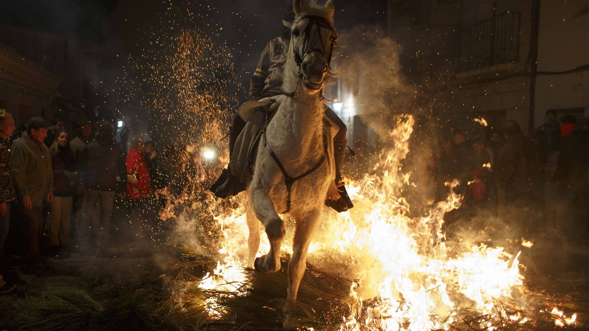 Up-Helly-Аa, Scotland, festival, fire, torchlight procession, Vikings, event