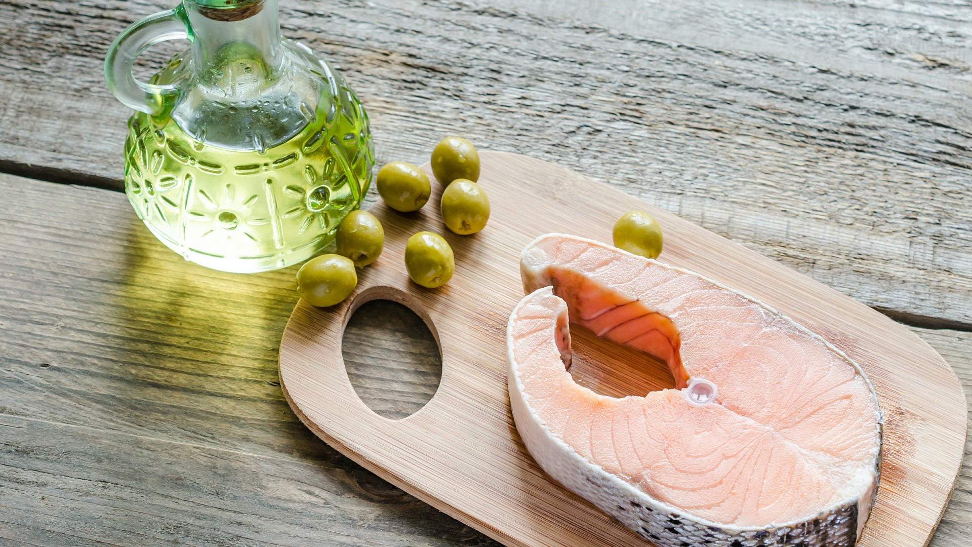 Wallpaper steak salmon olive oil olives food 764 for Frying fish in olive oil