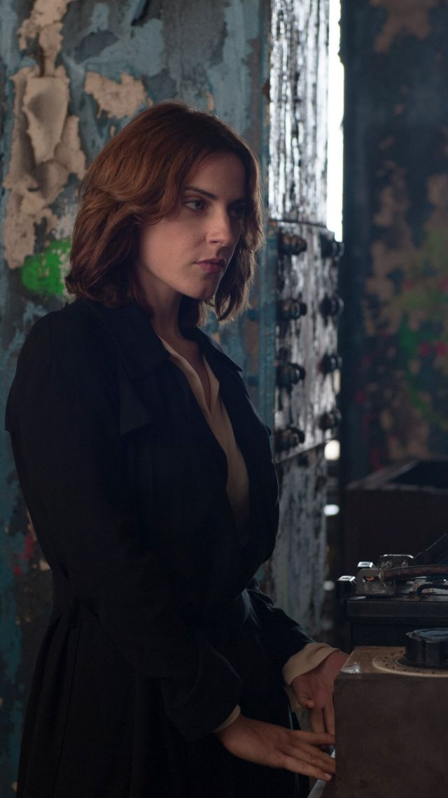 Wallpaper Criminal, Antje Traue, Best Movies of 2016 ...