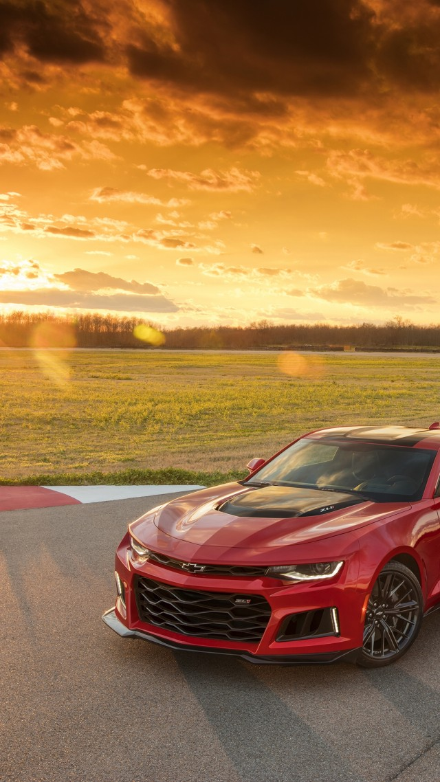 Chevrolet Camaro ZL1, NYIAS 2016, red, sunset (vertical)