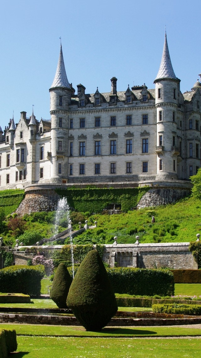Dunrobin, Сastle, Scotland, sutherland, fountain, garden, sky, green, travel, booking, vacation (vertical)
