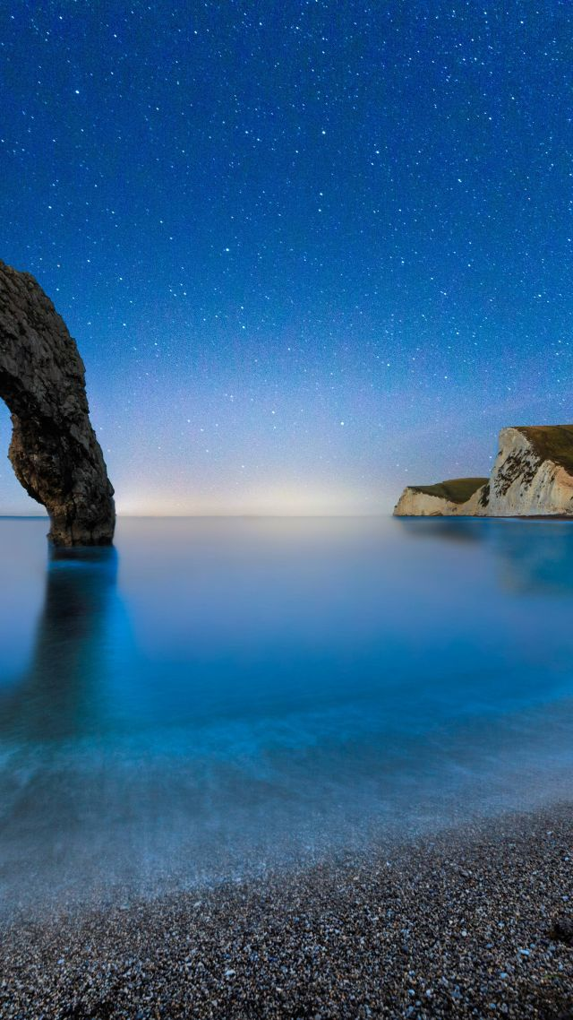Durdle Door, 5k, 4k wallpaper, beach, night, stars, sea, England (vertical)