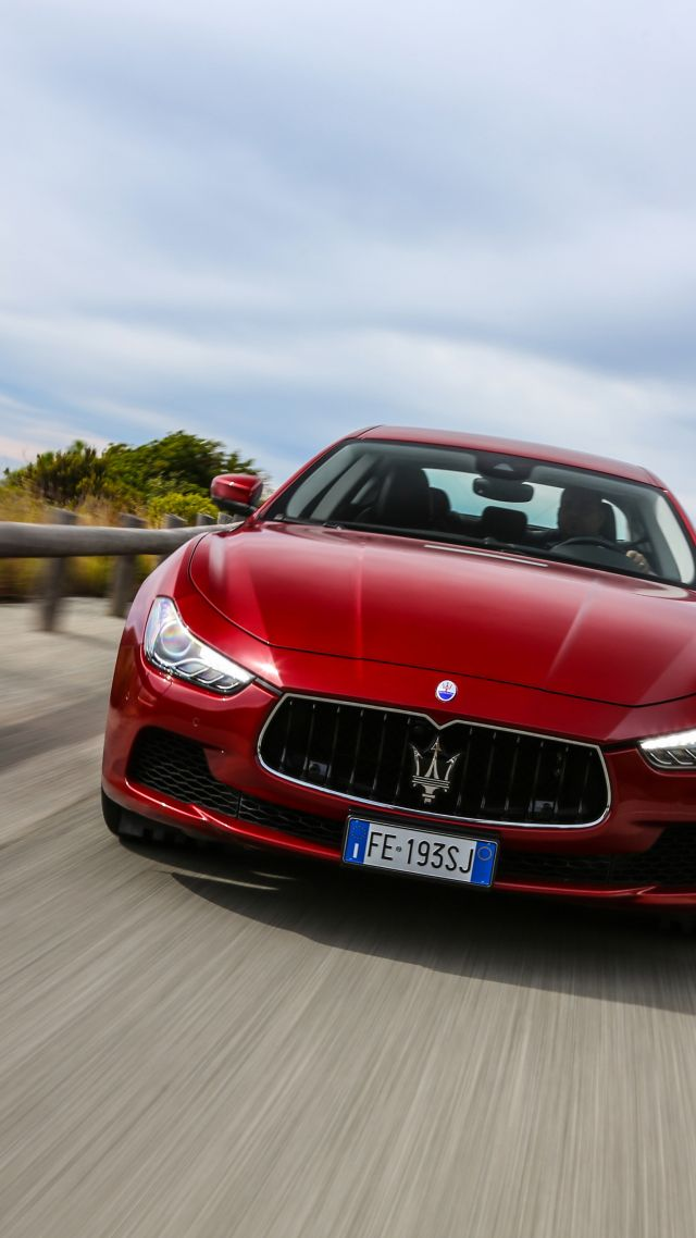 Maserati Ghibli S Q4, paris auto show 2016, red (vertical)