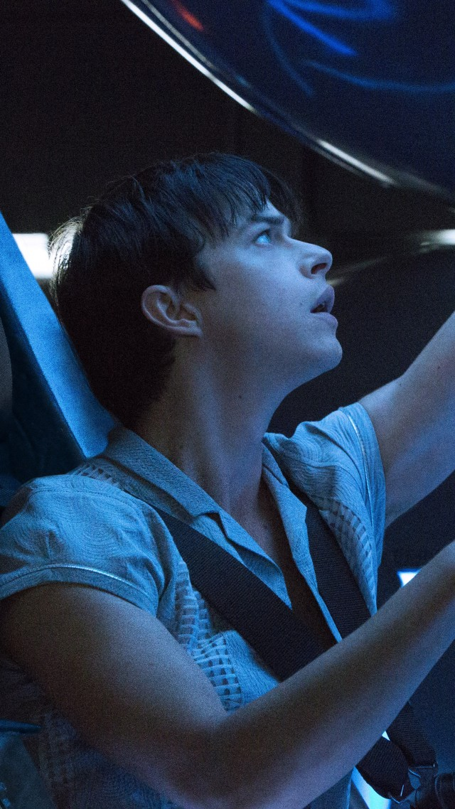 Valerian and the City of a Thousand Planets, Cara Delevingne, Dane DeHaan, Luc Besson (vertical)