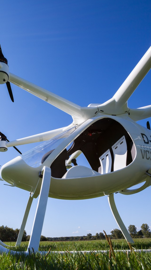 Volocopter 2X, aerial vehicle, best drones, review (vertical)