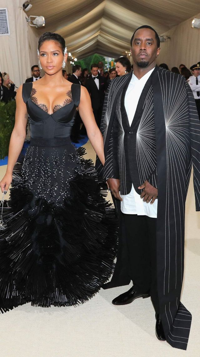 P Diddy, Met Gala 2017, dress, red carpet (vertical)