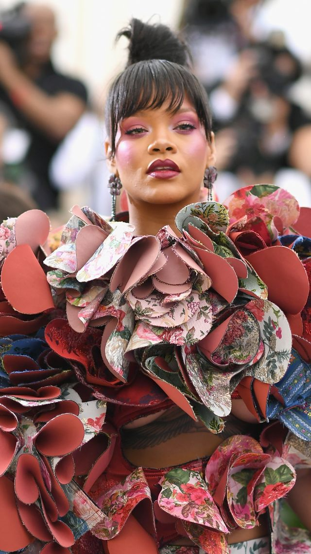 Rihanna, Met Gala 2017, dress, red carpet