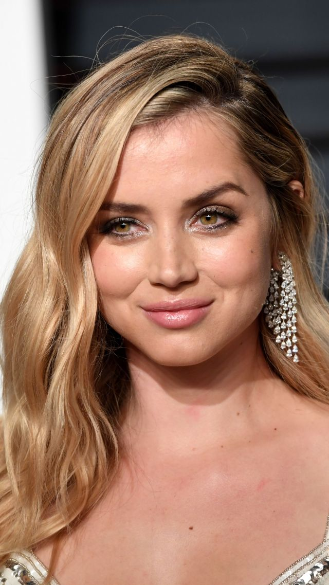 Ana De Armas 5k Photo Vertical