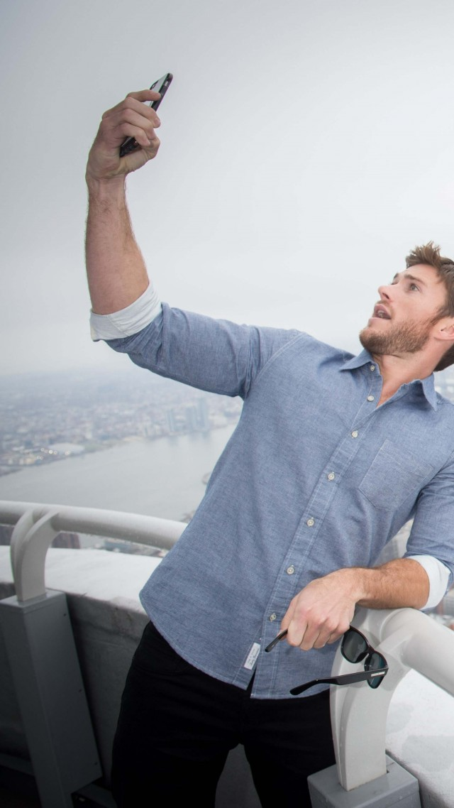 Scott Eastwood, 5k, photo (vertical)