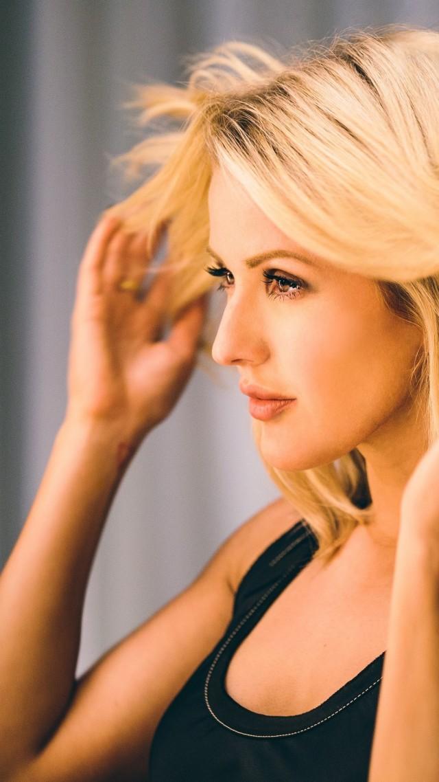 Ellie Goulding Photo HD Vertical