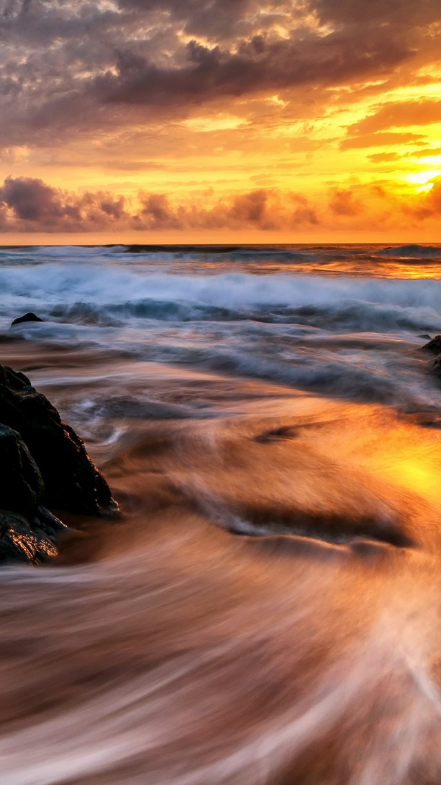 Sunrise, ocean, 4K (vertical)