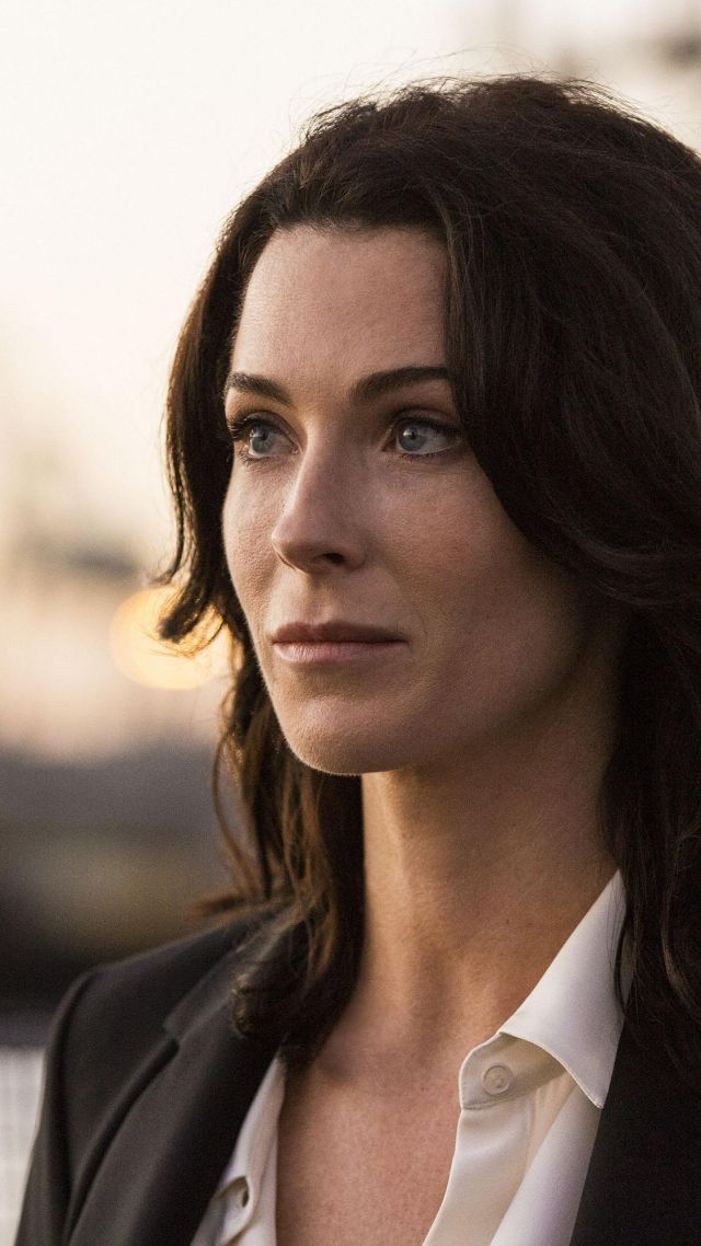 Bridget Regan, Most Popular Celebs in 2015, actress, producer, Kahlan Amnell, Legend of the Seeker, John Wick (vertical)