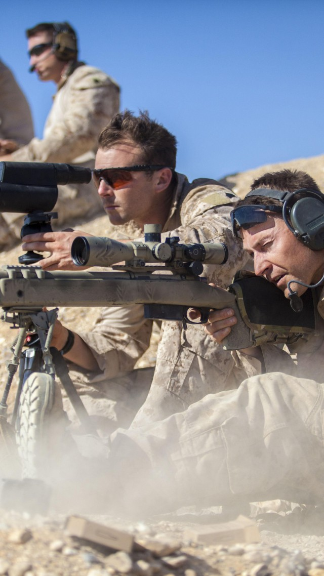 Chris Kyle, sniper, sniper rifle, biography, US Army, USA, firing, American Sniper, Most Lethal Sniper (vertical)