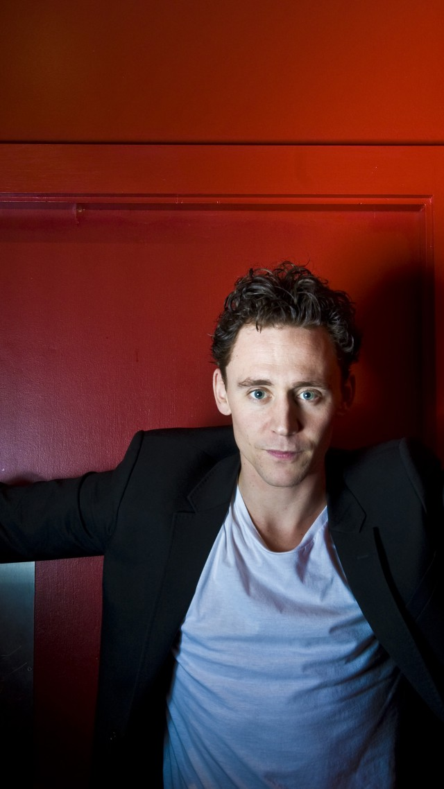 Tom Hiddleston, Most Popular Celebs in 2015, actor, I Saw the Light, Crimson Peak, Avengers: Age of Ultron (vertical)