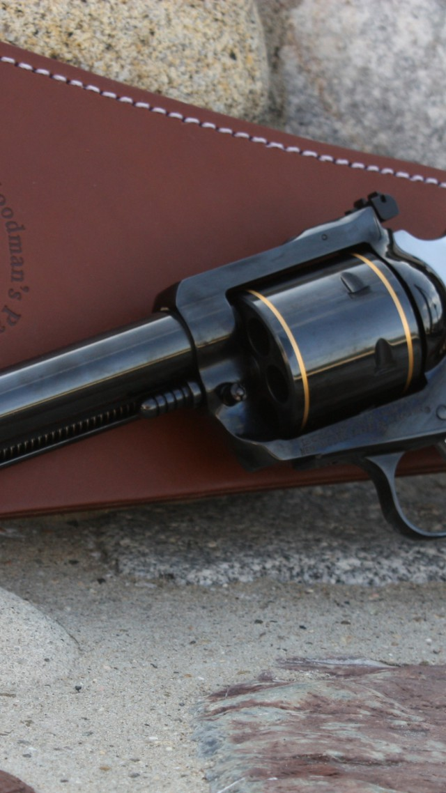Ruger Super Blackhawk .44 Magnum, revolver, review (vertical)