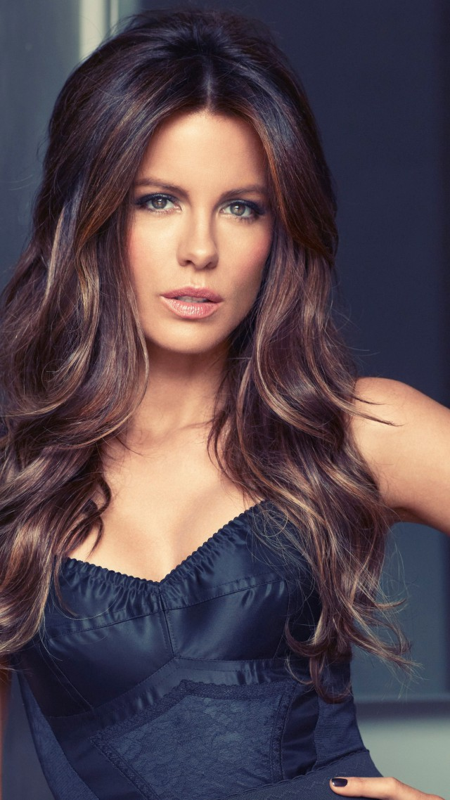 Kate Beckinsale, Most Popular Celebs in 2015, actress, brunette (vertical)