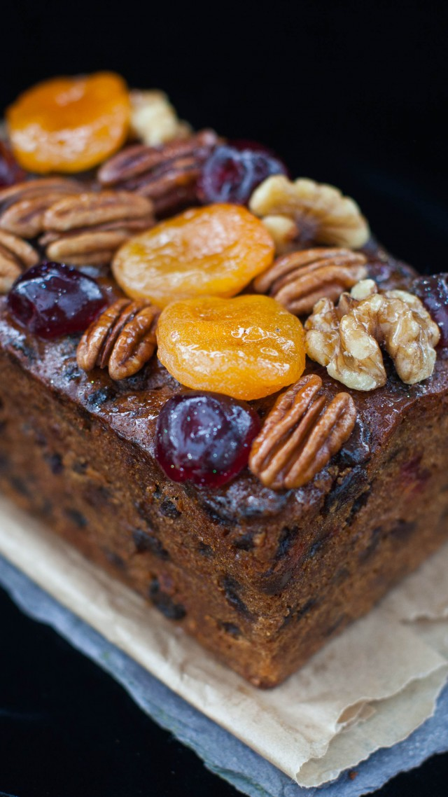 Loaf cakes, Christmas Cakes, holiday cookies, caramelized fruit, dried apricots, walnuts, raisin (vertical)