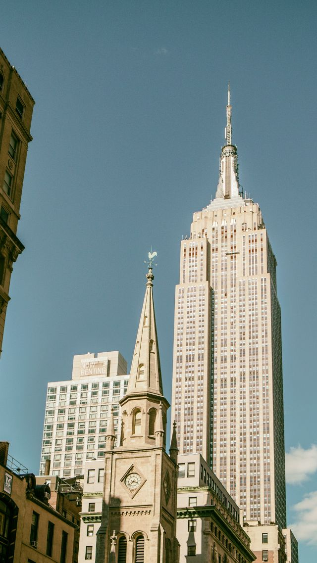 Empire State Building, Manhattan, New York City (vertical)