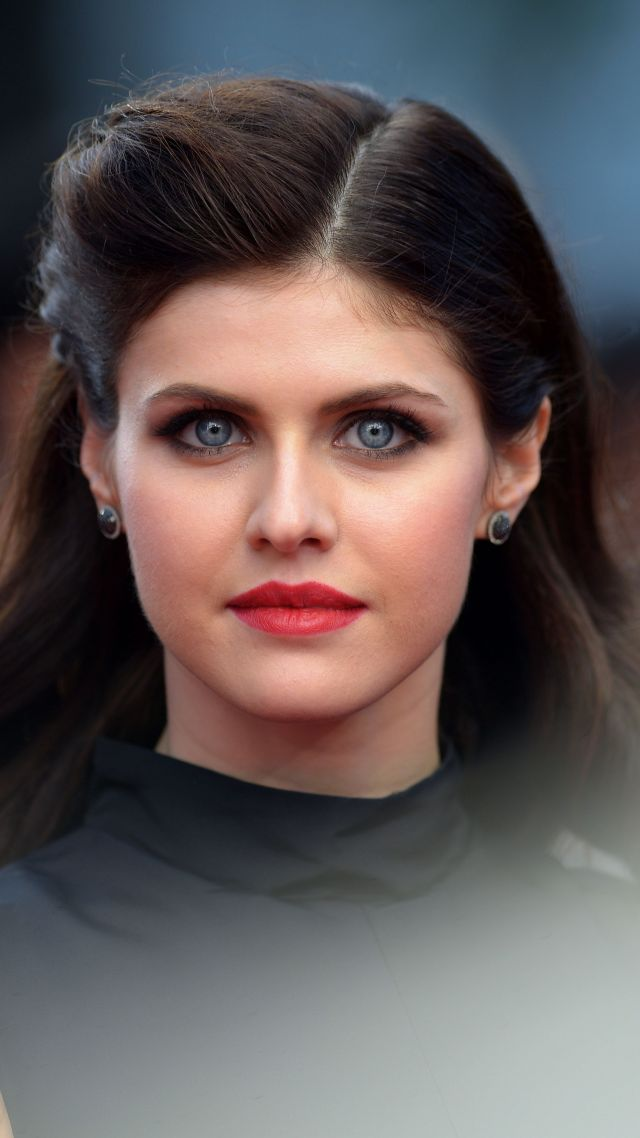 Alexandra Daddario, Most Popular Celebs, actress (vertical)
