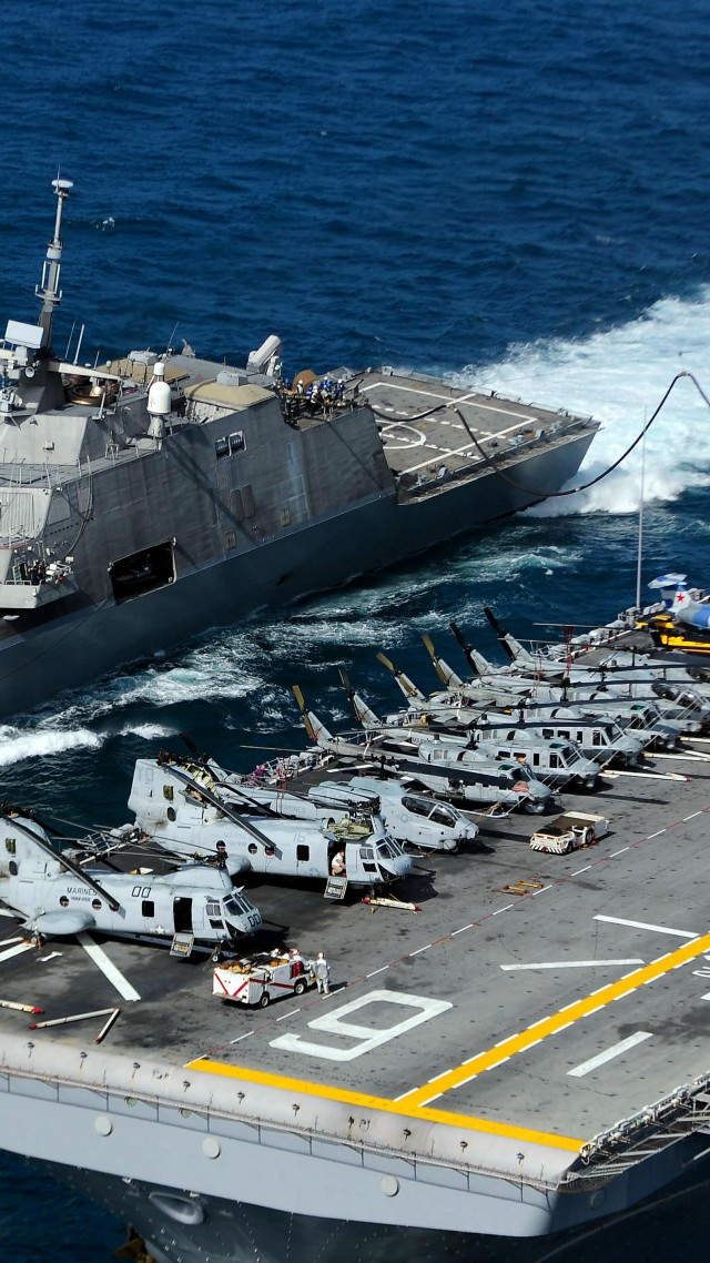 USS Freedom, LCS-1, lead ship, Freedom class, littoral combat, USA Navy (vertical)