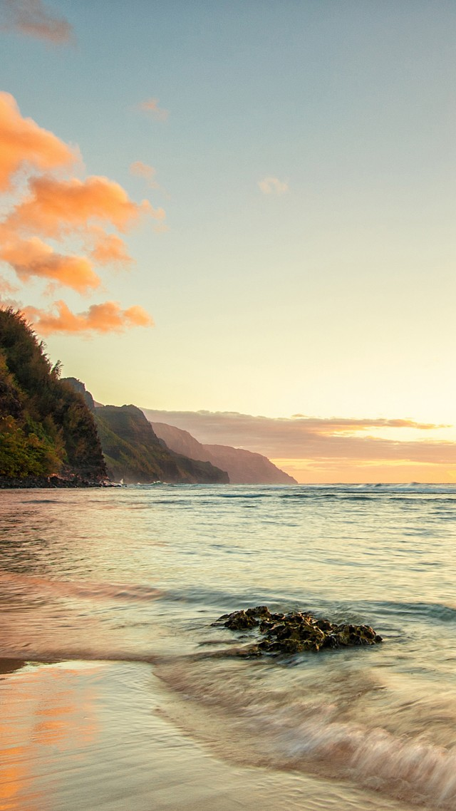 Hawaii, 4k, HD wallpaper, Ke'e beach, island, Kauai, sky, sea, ocean, water, sunset, sunrise, rocks, sun, clouds (vertical)