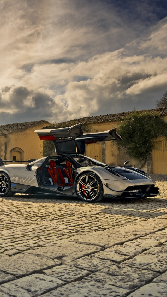 Pagani Huayra BC, Geneva Auto Show 2016, ultra-light super car, sport car, silver (vertical)
