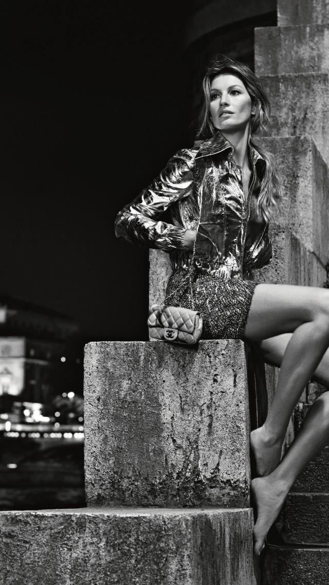 Wallpaper Gisele Bundchen Fashion Model Chanel 2015 Black And White Ladder Water