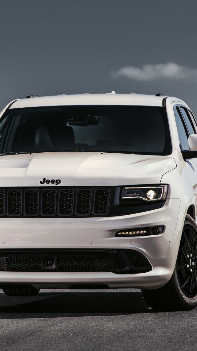 "Jeep Grand Cherokee SRT ""Night"", Geneva Auto Show 2016, SUV (vertical)"
