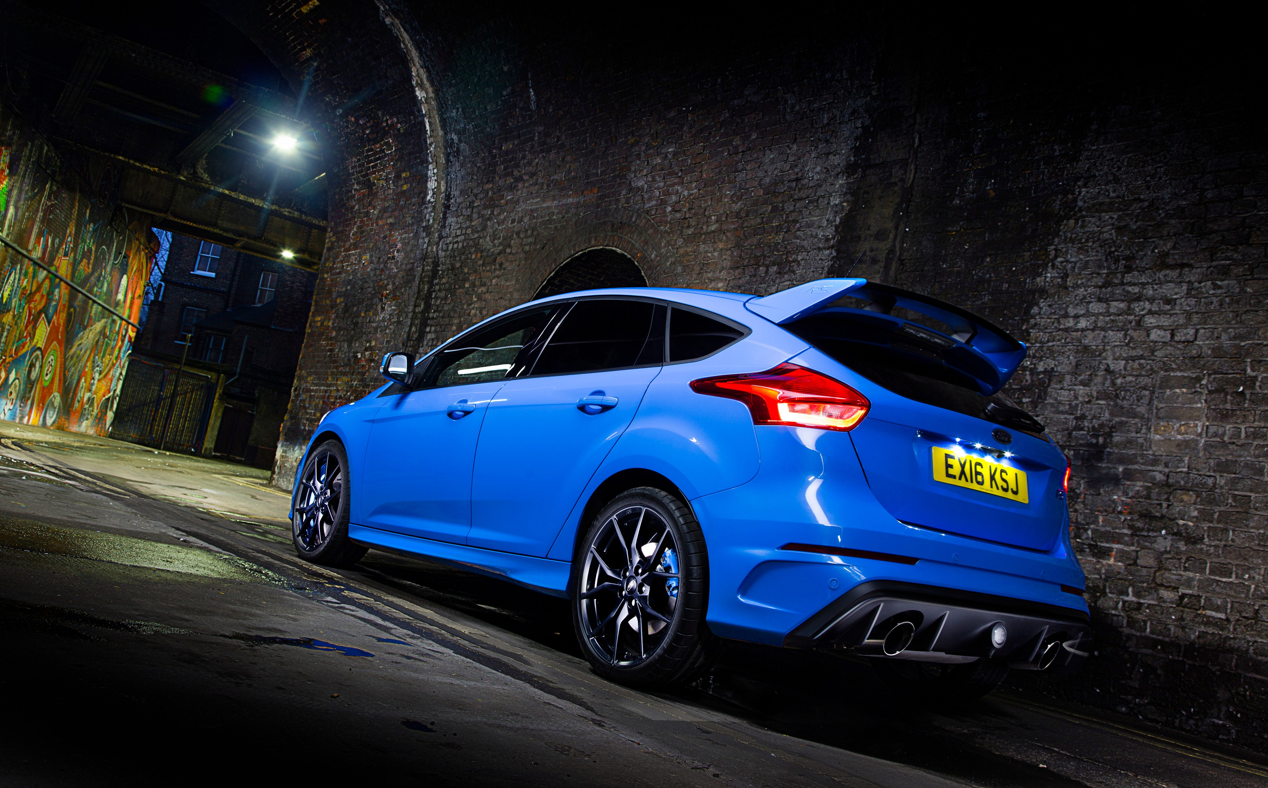 wallpaper ford focus rs hatchback blue night cars bikes 10175. Black Bedroom Furniture Sets. Home Design Ideas