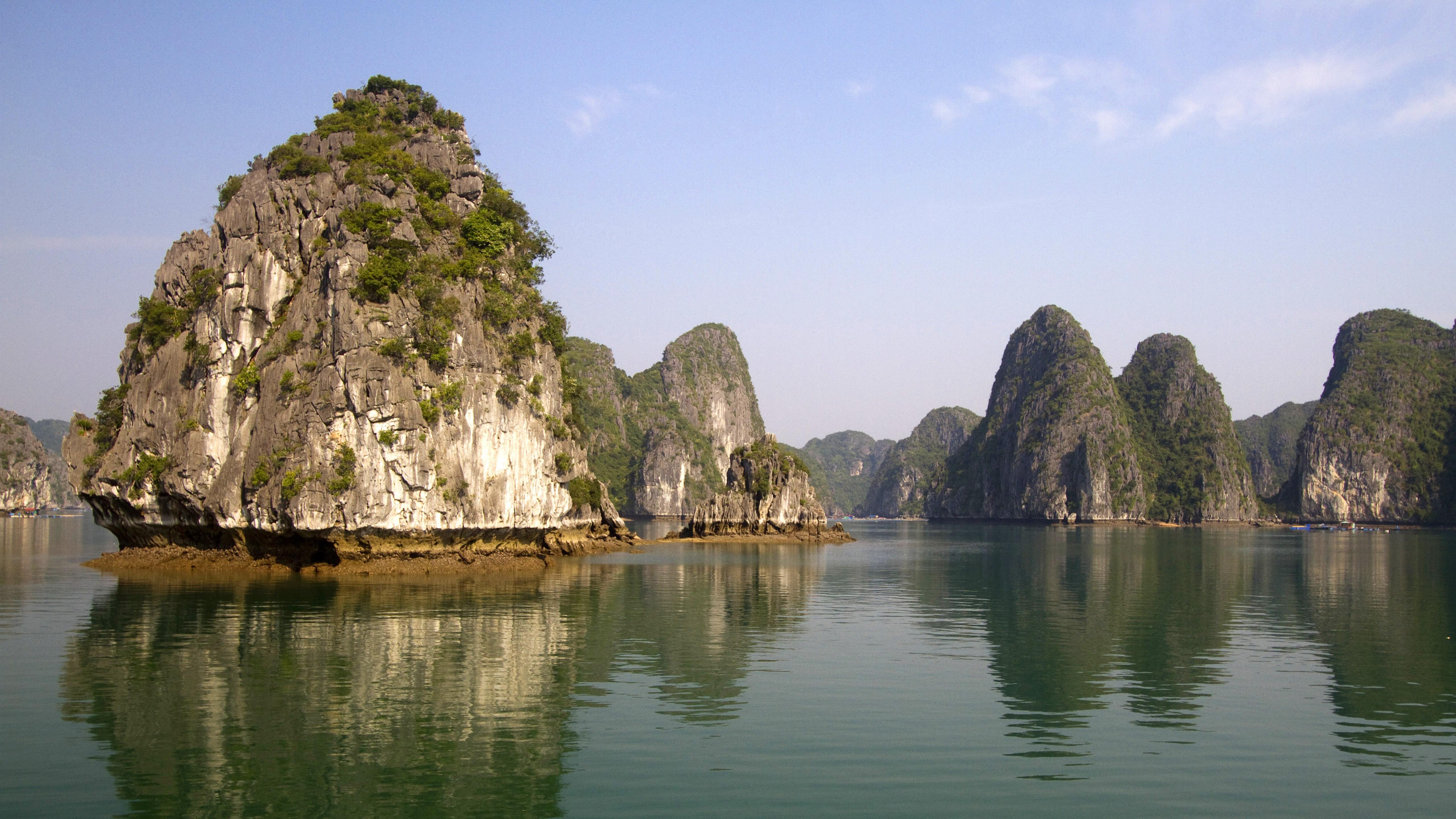 Wallpaper Ha Long Bay 5k 4k Wallpaper 8k Halong Bay Vietnam