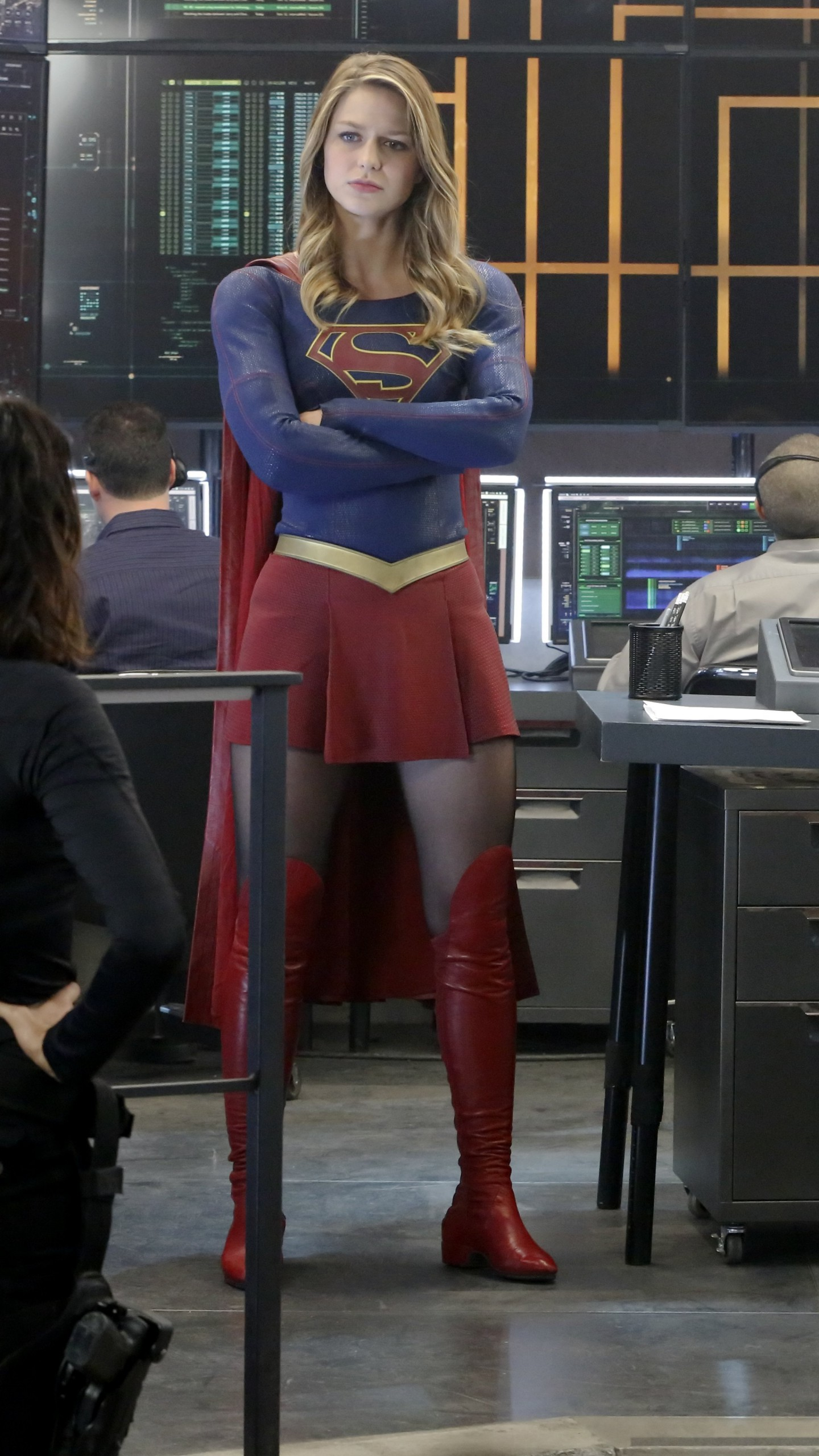 Wallpaper The Flash, Supergirl, Crossover, Grant Gustin